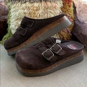 Vintage 90's Chunky Platform Suede Clogs Unionbay